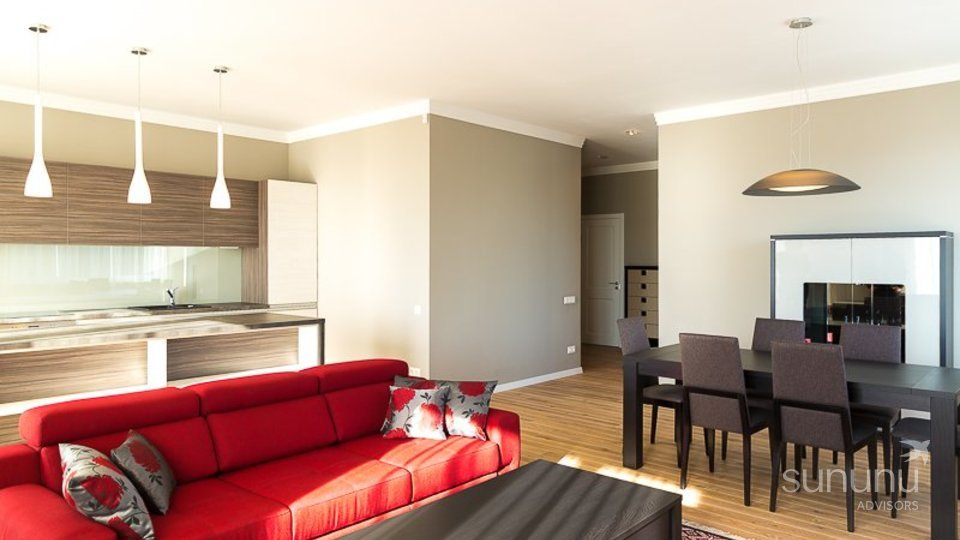 Contemporary and luxurious sunny two-bedroom