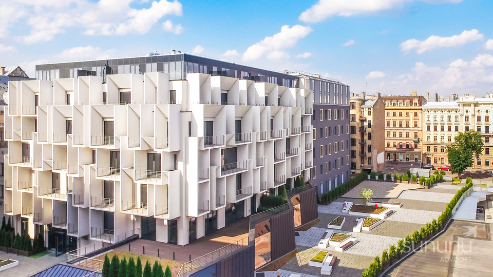 Bright property in aniconic Riga building