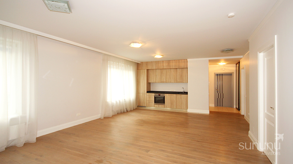 Three-bedroom apartment in embassy area