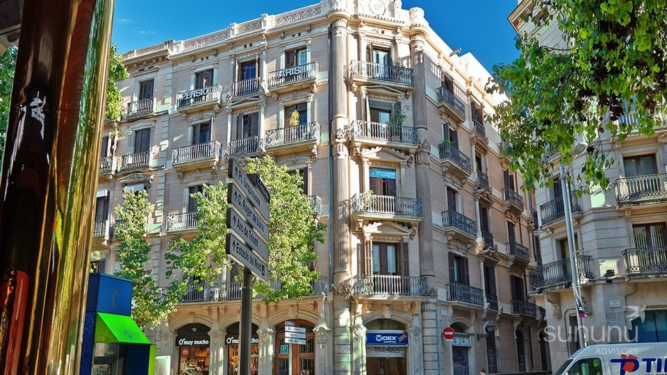 Eixample apartment in a gorgeous historical building
