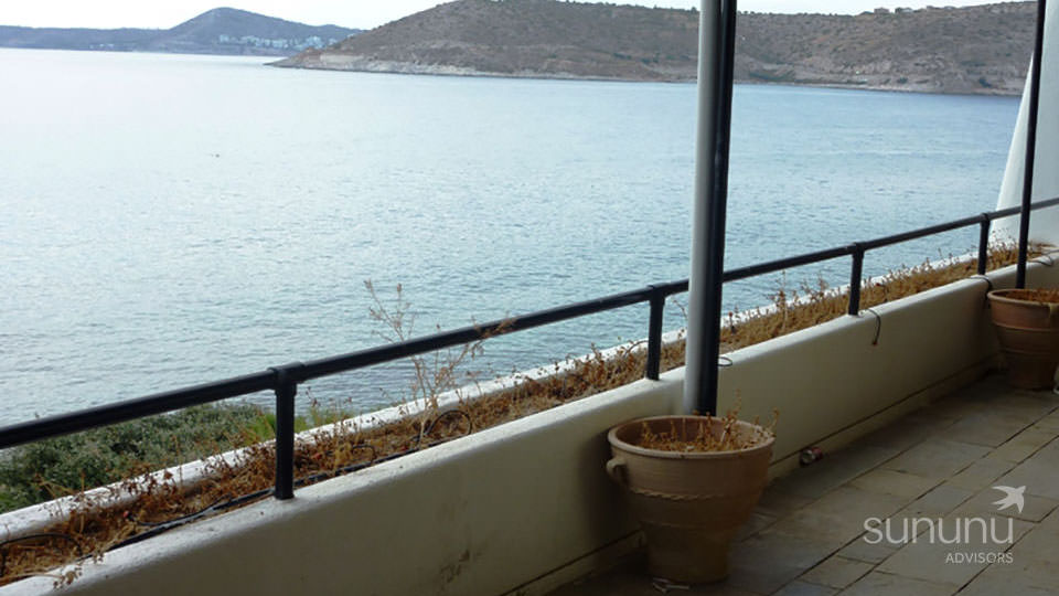 Terrace of apartment in Agia Marina, located right on the shore