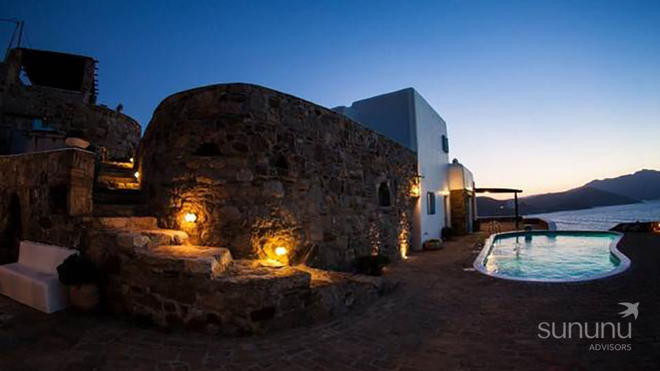 Distinctive Cycladic-style house in Mykonos