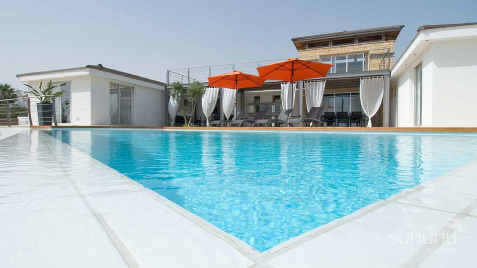 Outstanding Sea Caves villa in Peyia with a large swimming pool