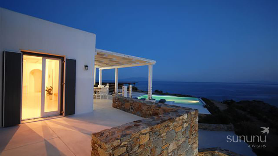 Modern villa in Mykonos with its sweeping sea views
