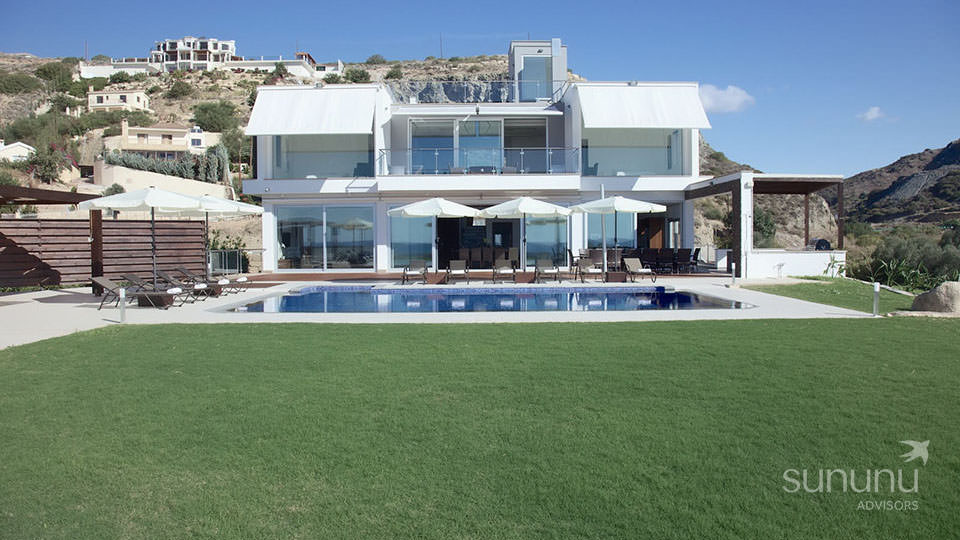 Stunning villa in Peyia, with lovely gardens and a pool