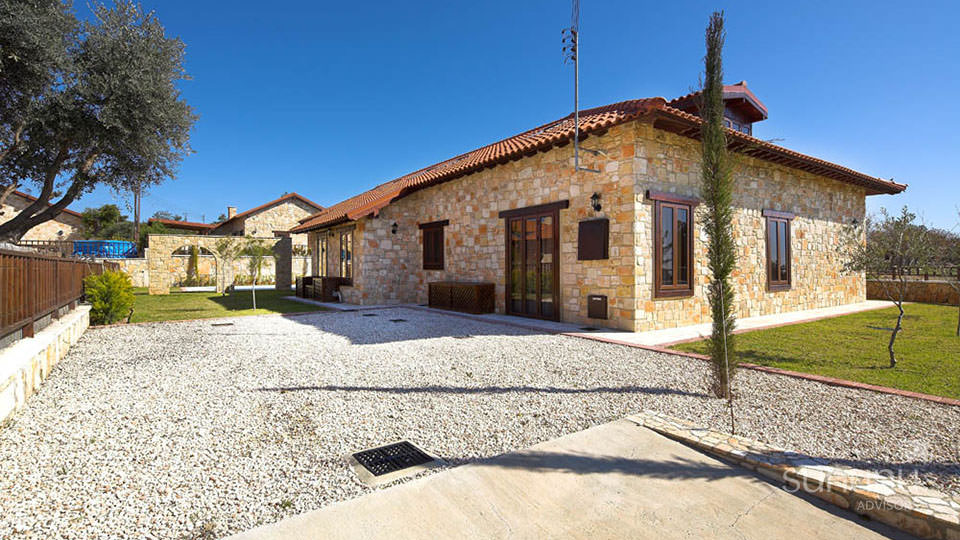 Charming Cypriot villa in Souni, set in a beautiful property